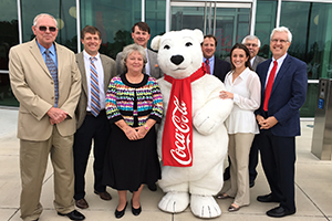 Brasfield & Gorrie executives and project team members join Coca-Cola Bottling Company to celebrate the completion of the new Coca-Cola Bottling Company United distribution and sales center in Chattanooga, Tennessee.